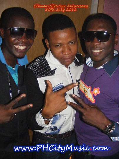 Ogus Baba, Maxi, And Fan